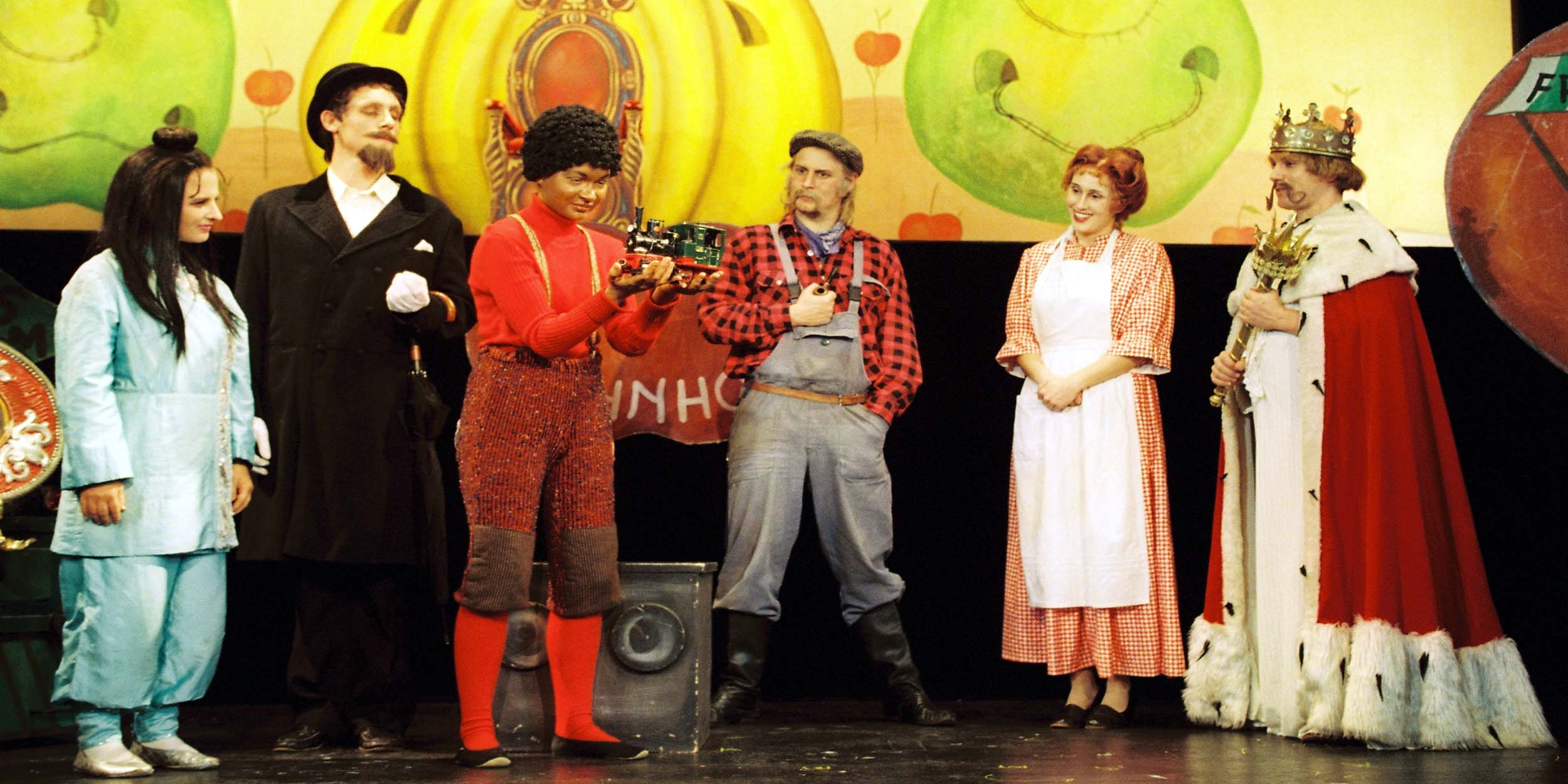 Münchner Theater Für Kinder Spielt Jim Knopf Und Lukas Der