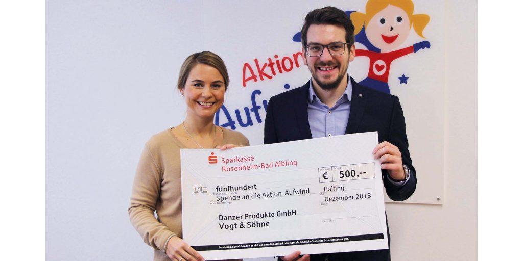 Weihnachtsgeschenke Für Firmenkunden.500 Euro Für Die Aktion Aufwind Statt Weihnachtsgeschenke Für